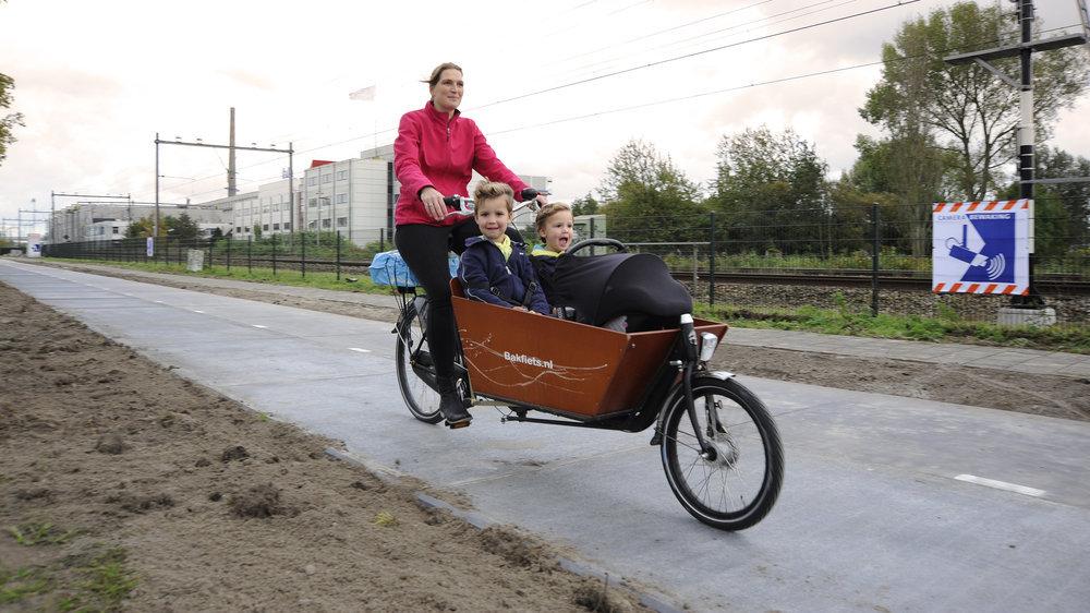 SolaRoad – ad Amsterdam la prima pista ciclabile ad energia solare