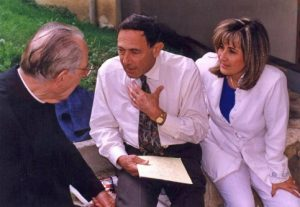 J.E. Mack con Padre Balducci e P.L. Harrise P
